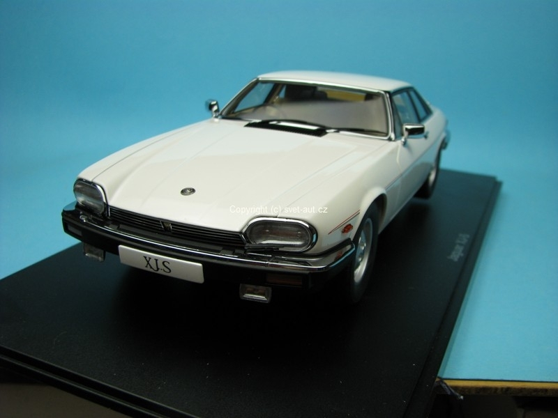 Jaguar XJ-S Coupé white 1:18 Autoart